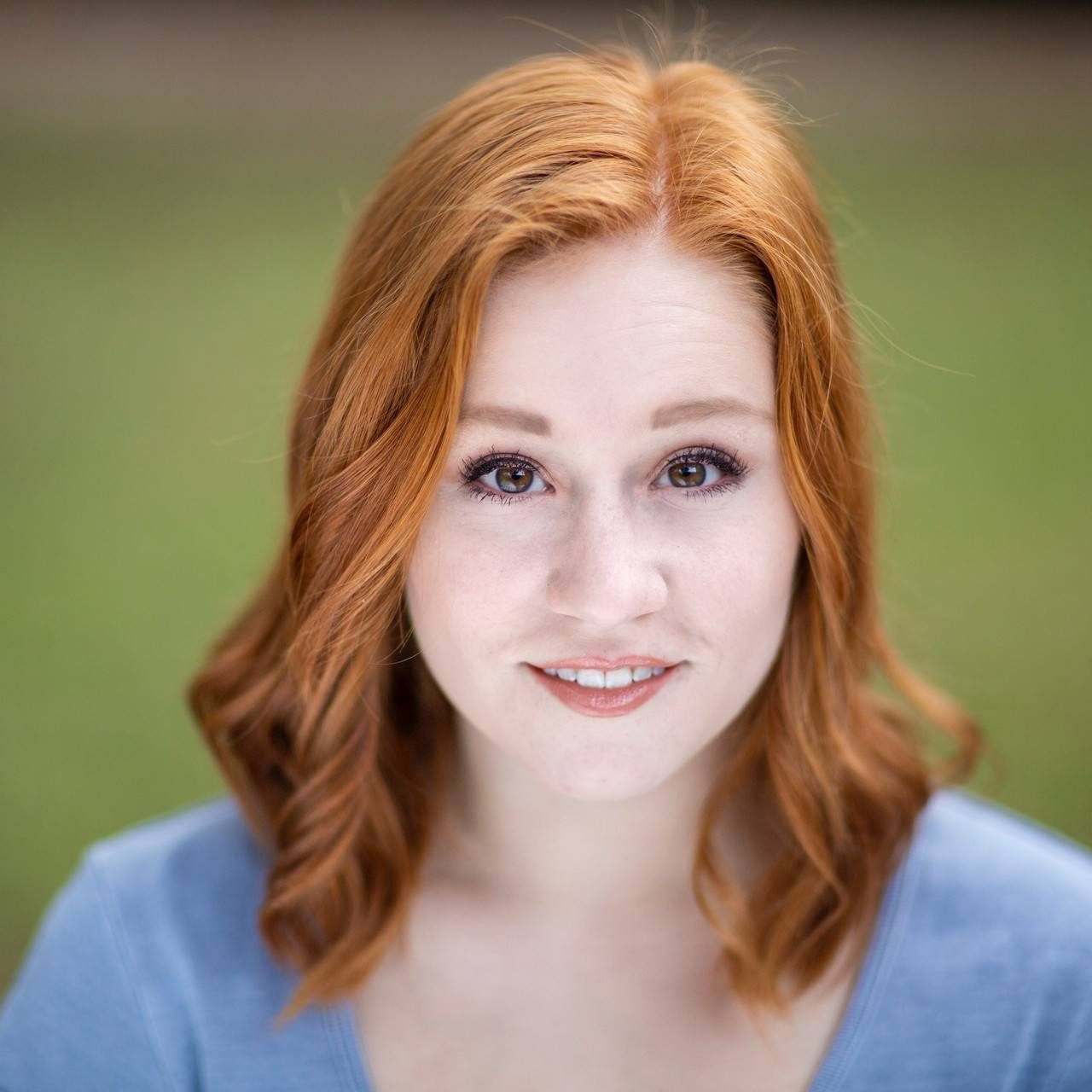 Haley Holcomb Headshot